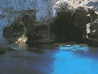 Marettimo. Grotta Perciata